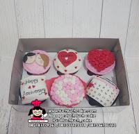 Cupcake Anniversary Romantis Fondant 2D
