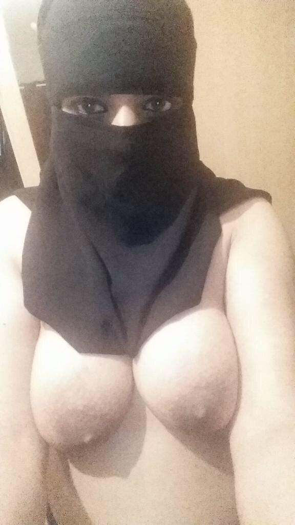 Big breasted nude girls