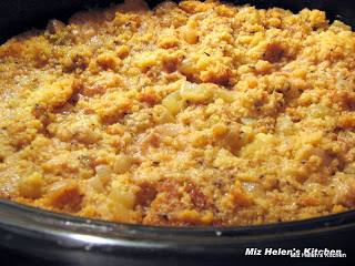 Slow Cooker Cornbread Dressing