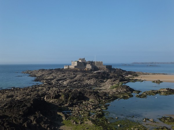 saint-malo bretagne fort national