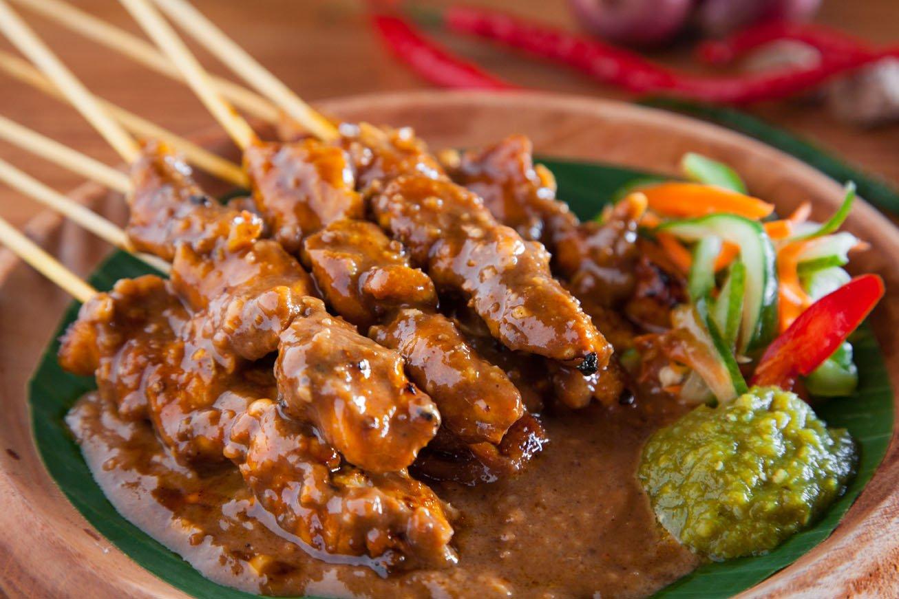 Sate ayam (Indoindians.com)