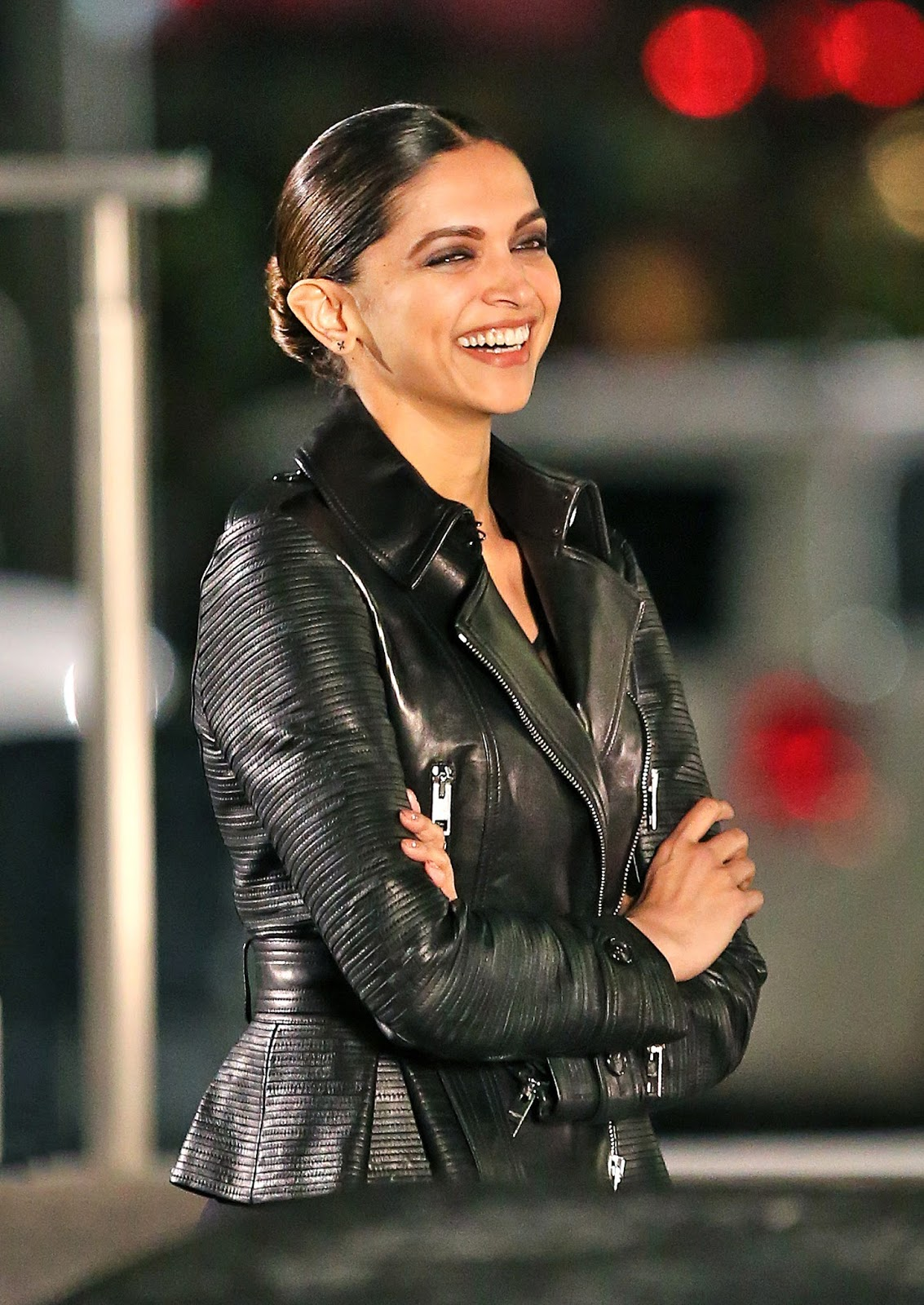 High Quality Bollywood Celebrity Pictures Deepika -7742