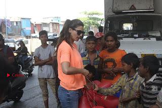 Daisy Shah Celetes Valentine's Day with Street kids of Bandra