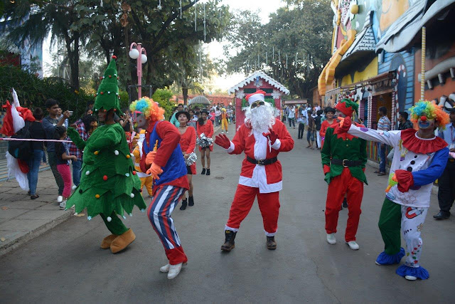 The Christmas carnival at EsselWorld