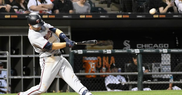 Twins-white-sox-baseball4