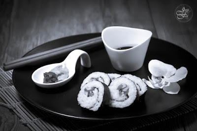 http://joyful-food.blogspot.de/2016/01/sushi-black-and-white.html