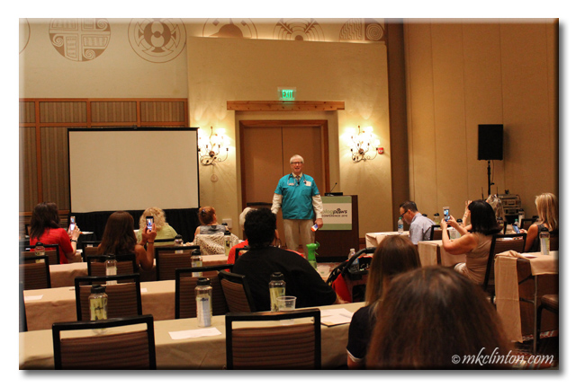 Dr. Marty Becker teaching a session at BlogPaws conference 2016