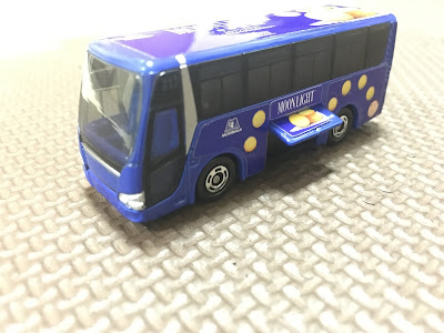トミカ 森永のお菓子のラッピングバス