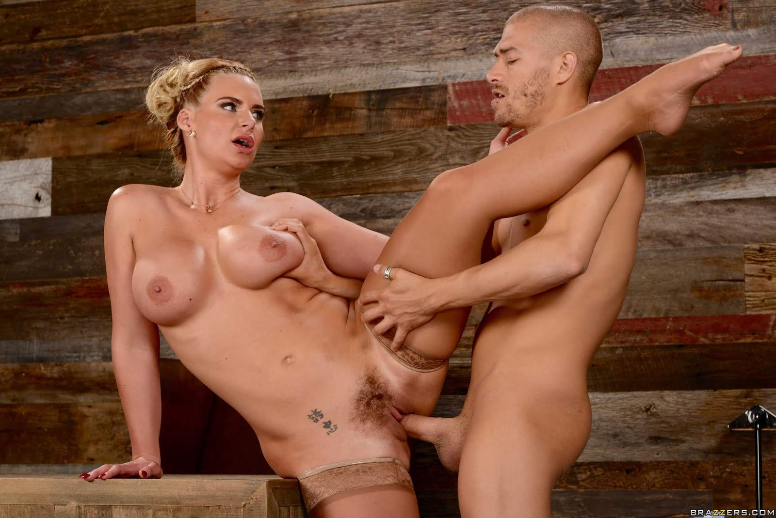 Phoenix-Marie-%3A-Breaking-And-Entering-And-Insertion-%23%23-BRAZZERS-e6vw9ignl0.jpg