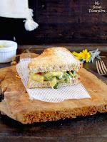 Sandwich caliente de collejas y alcachofas a la crema