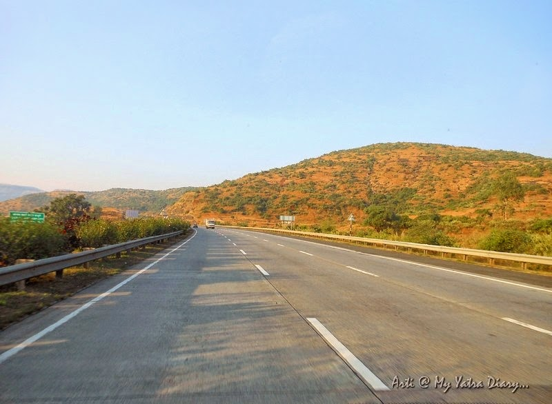 6 lane high speed Mumbai Pune Expressway, Maharashtra