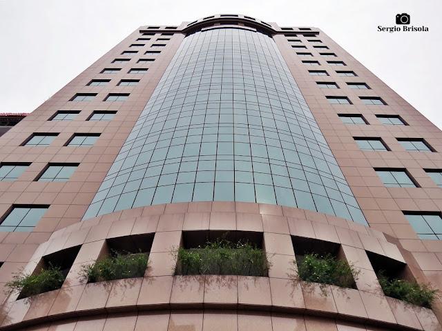 Perspectiva inferior da fachada do Edifício Seculum Building - Jardim Paulistano - São Paulo