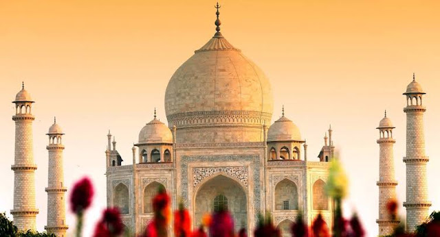 Taj-mahal-history-in-english