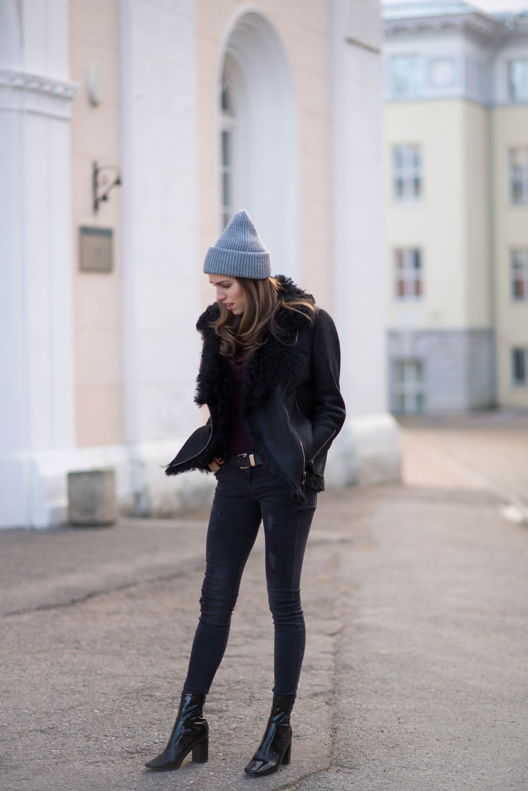 black shearling jacket winter outfit
