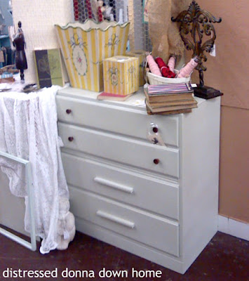 painted dresser, furniture makeover, Valspar chlk paint