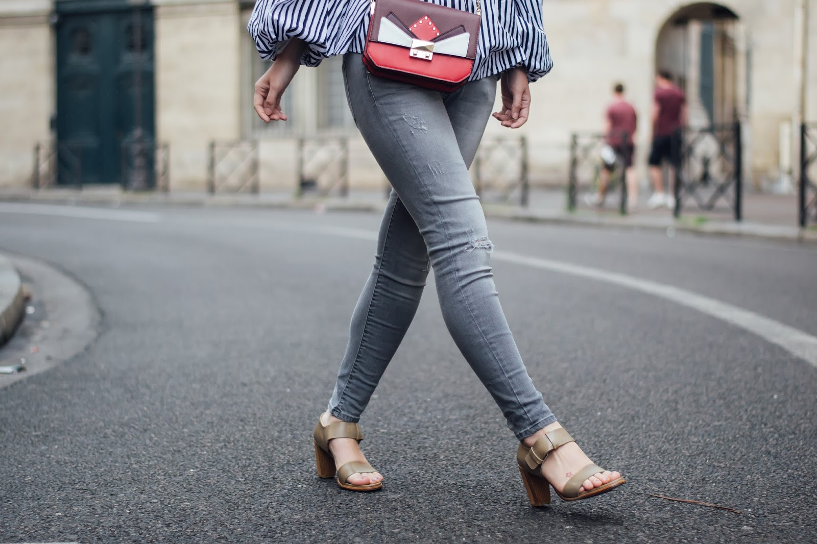 parisian fashion blogger, chic parisian style, look of the day, outfit inspiration, meet me in paree, spring style