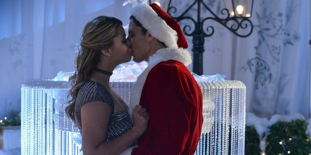 Pretty Little Liars - Season 5 Episode 13: How the 'A' Stole Christmas