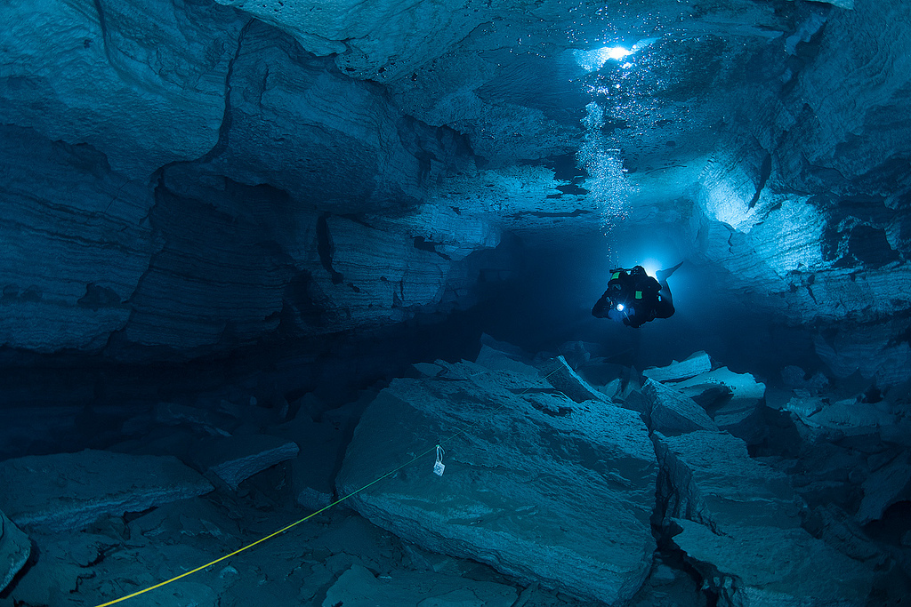 Orda Cave underwater photo by Viktor Lyagushkin