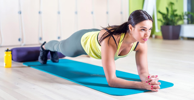 fitness femme planche gainage