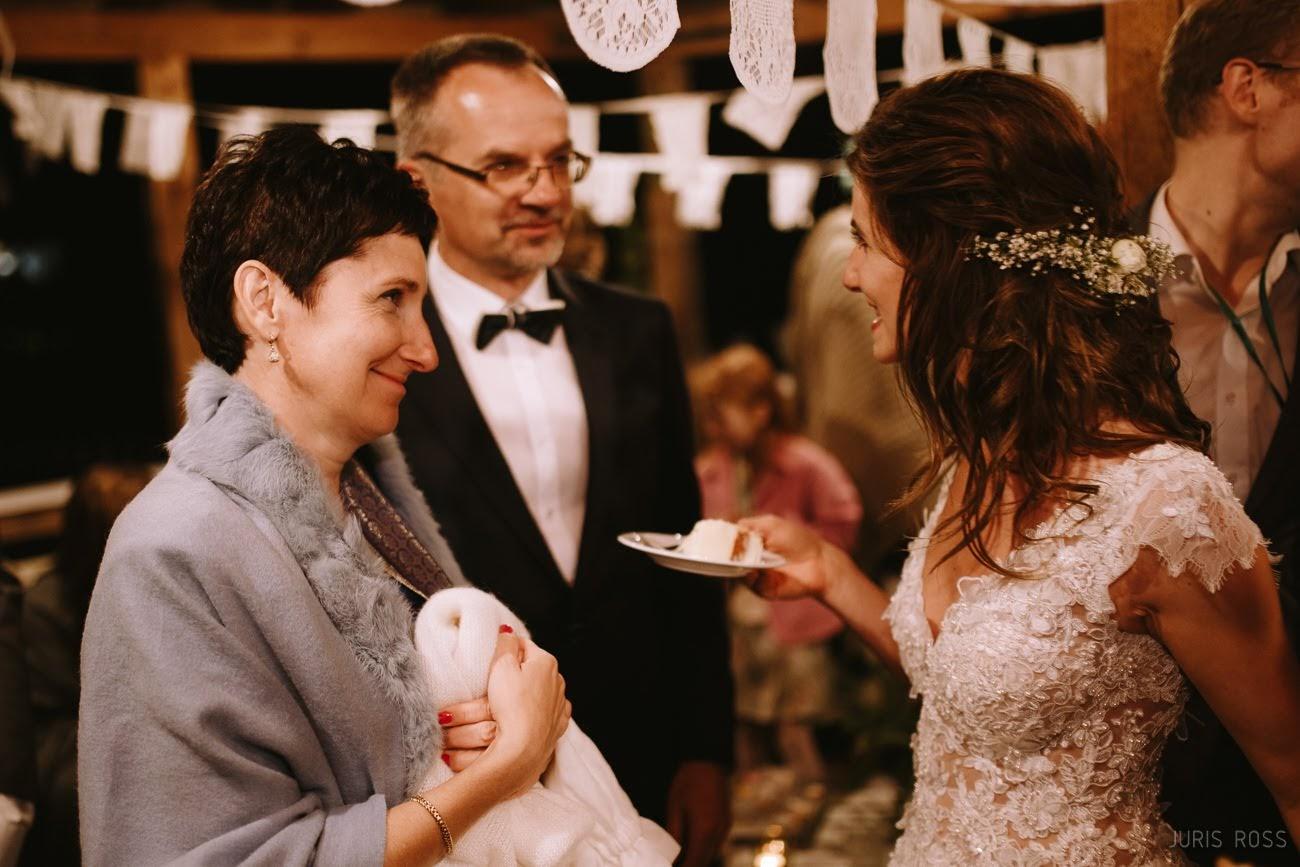 dāvanas vecākiem kāzās
