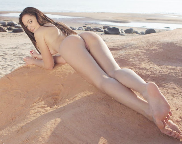 Teen Erotica Beach www.eroticaxxx.ru Photo erotica beach: Teen Beach fun! Russian Photography Nude - Showy Beauty Photo, beautiful nude girls...