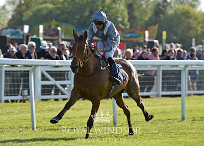 Kemble 2yo trained by Richard Hannon wins at Windsor