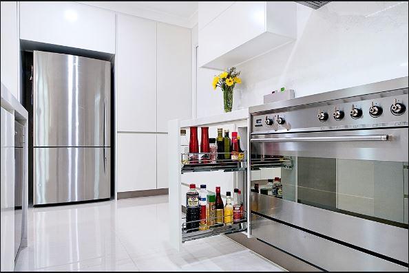 Phụ kiện tủ bếp inox 304 cần thiết cho người nội trợ đảm đang