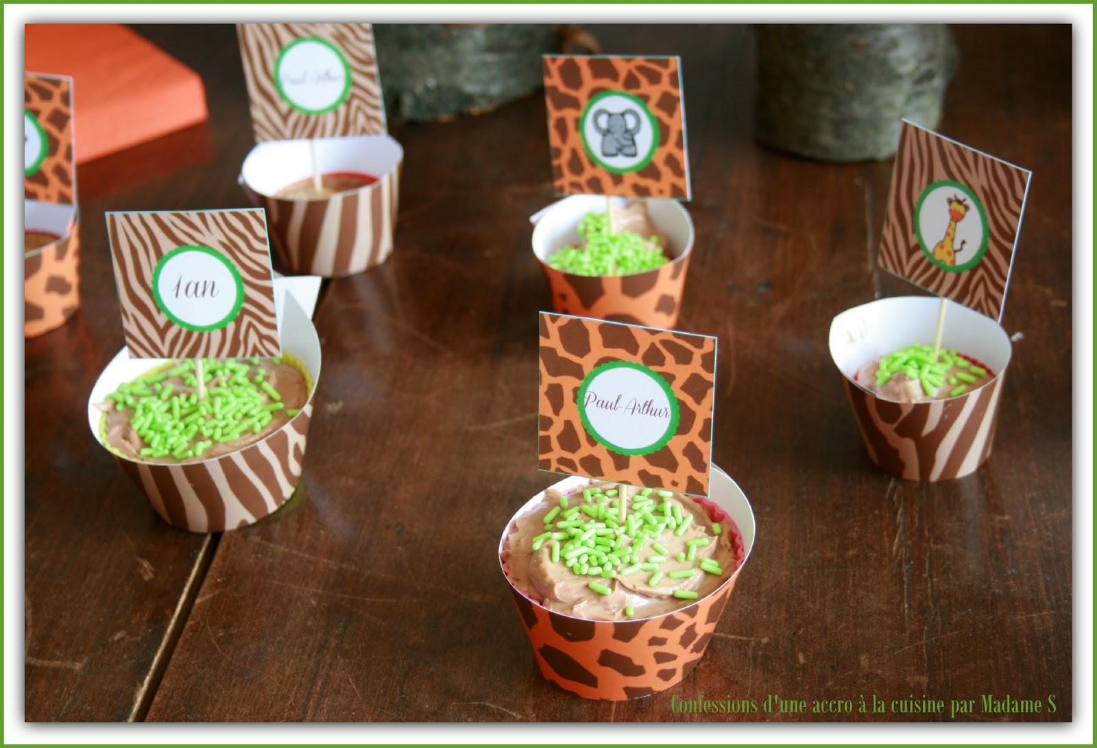 cupcakes toppers et décoration papier safari