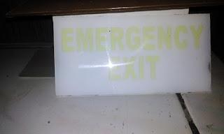 signage  evakuasi