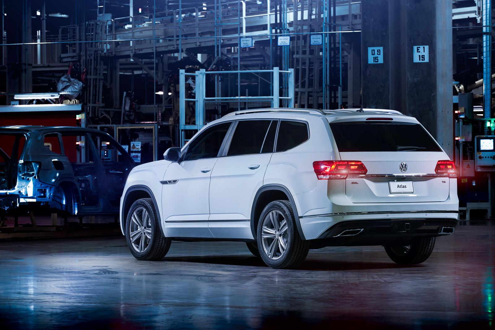 2017 - [Volkswagen] Atlas / Teramont - Page 8 VW-Atlas-RLine-04