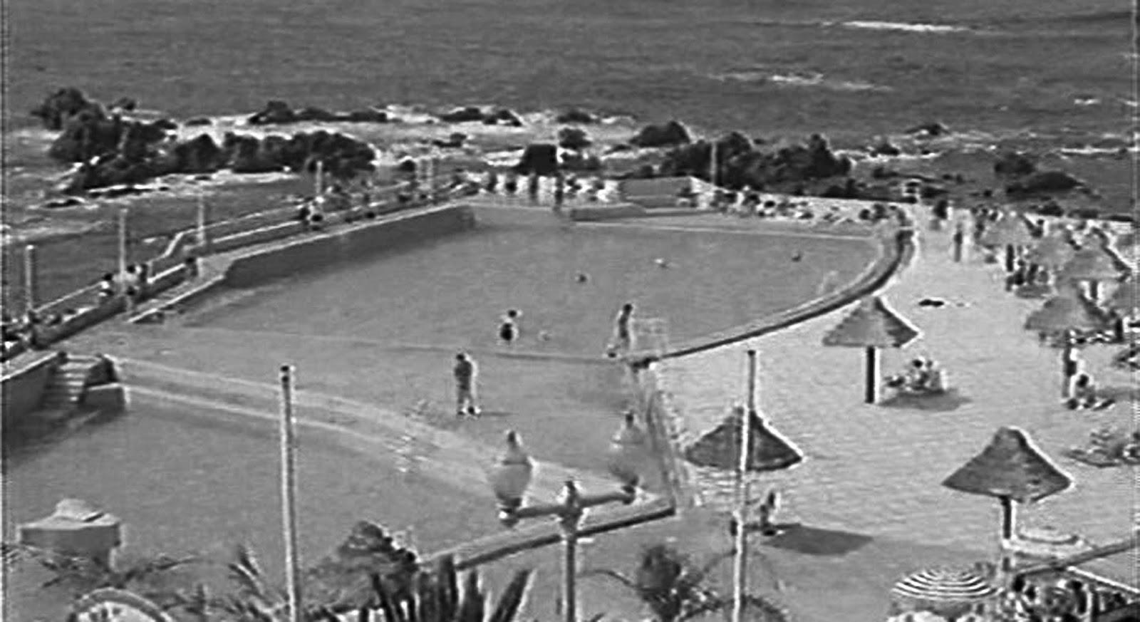 Efem rides piscina de san telmo for Piojos piscina