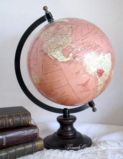 Globe dengan warna pink untuk yang feminin,