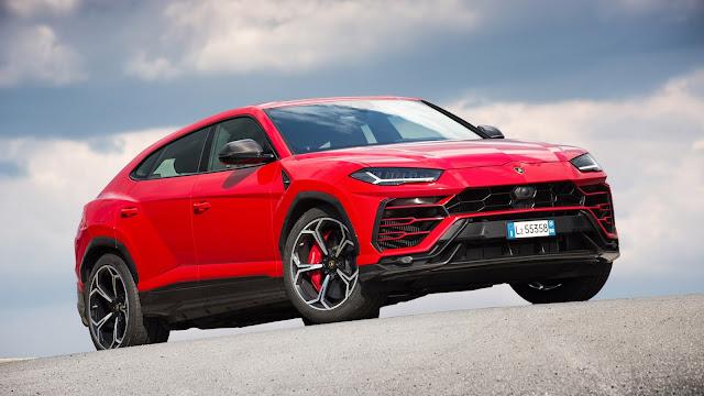 2018 New Lamborghini Urus Super SUV front view