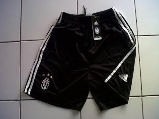 Jual Celana Juventus Home 2016/2017 di toko jersey jogja sumacomp, murah berkualitas