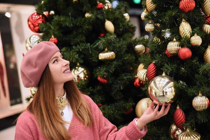 adina nanes getting in the holidays spirit