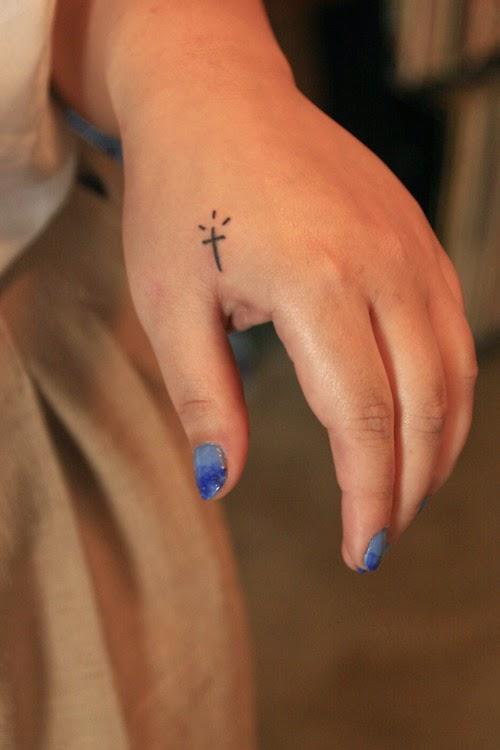 20 Cute Cross Tattoo Designs For Girls