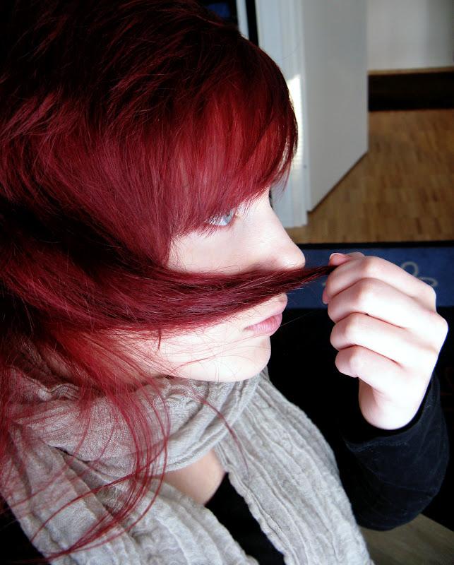 nettisivu musta punaiset hiukset sisään helsinki