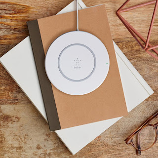 Belkin BOOST Up 7.5 W Wireless Charging Pad for iPhone X,8,& 8 Plus with AC power adapter