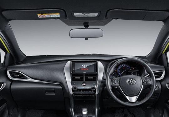 yaris%2Bin_dashboard Tampilan Sporty Dari Mobil Toyota New Yaris  wallpaper