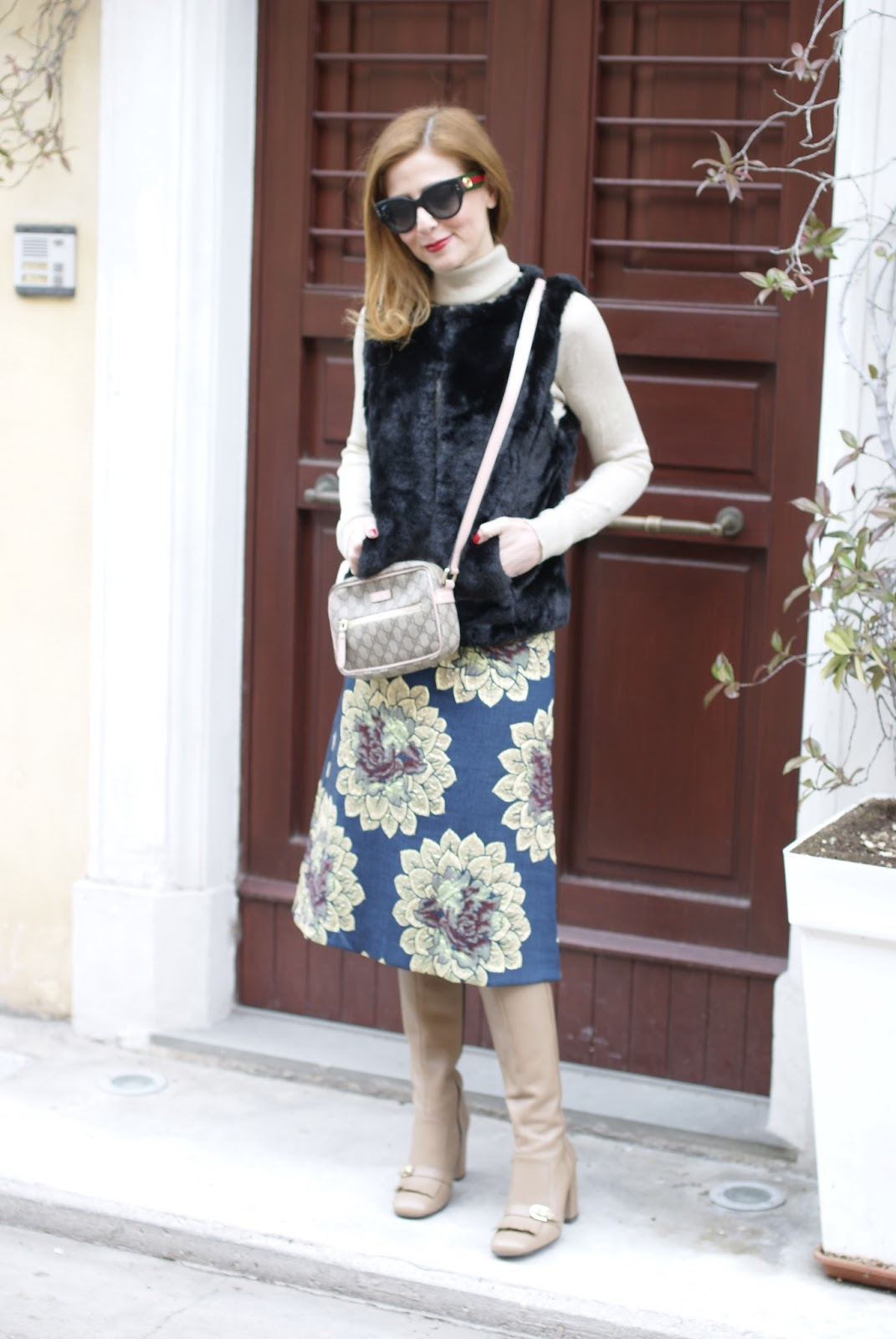 floral tapestry skirt and faux fur vest for a Gucci inspired look, Giovanni Fabiani boots on Fashion and Cookies fashion blog, fashion blogger style