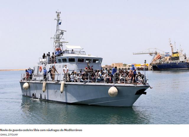 Itália oferece 12 navios à guarda costeira Líbia