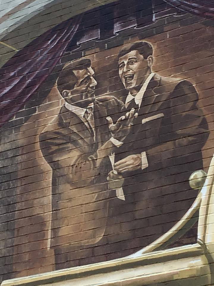 Christmas tv history dean martin festival in for Mural quadrant