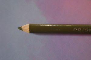 détail d'une mine pré-taillée d'un crayon de couleur Prismacolor Premier