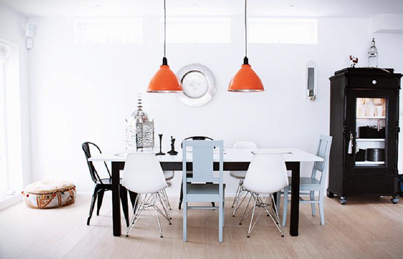 Pergunta da leitora: posso usar cadeiras diferentes da mesa? (nao é melhor pro c&c?)