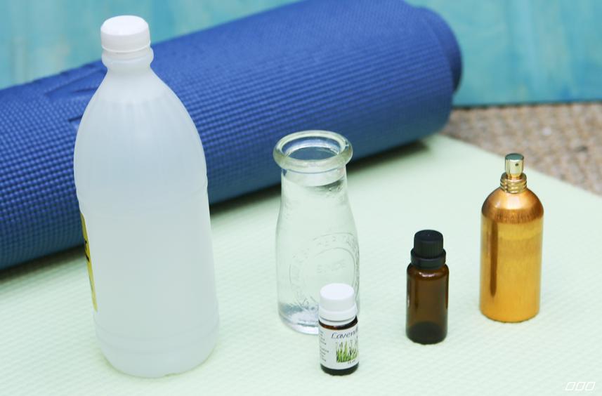 Thảm tập yoga bẩn có thể lây vi khuẩn nguy hiểm?