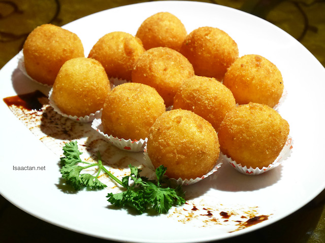 Deep Fried New Year Cake in Glutinous Balls