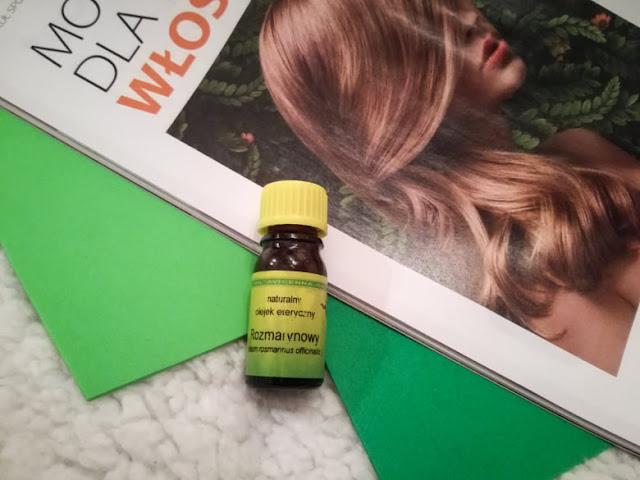 olejek rozmarynowy na włosy