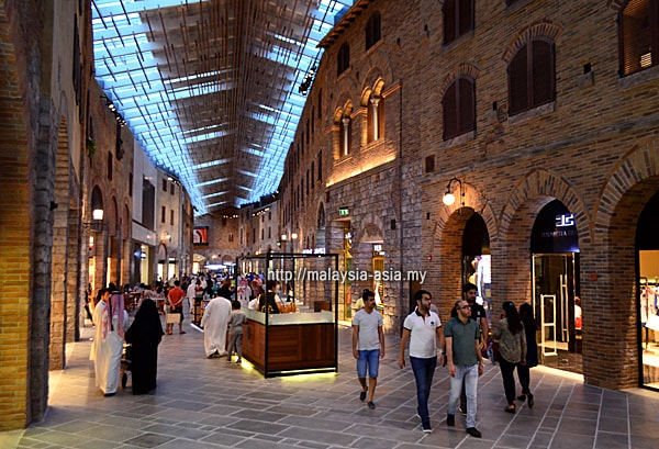 Dubai Factory Outlet Village