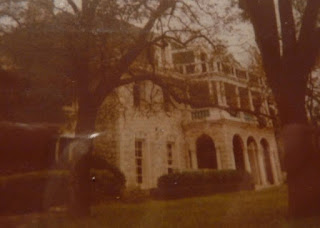 The Midget Mansion: Most Frightening Haunted House In Texas Planet-Today.com