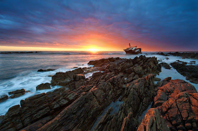 Naufragio Meisho Maru en Cape Agulhas, Sudáfrica